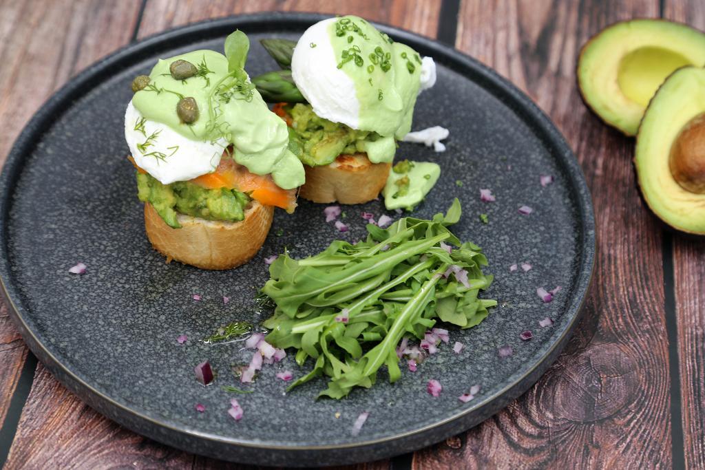 铜锣湾餐厅推全新牛油果主题菜!菜式不单只有主食,还有牛油果的甜品、轻食!